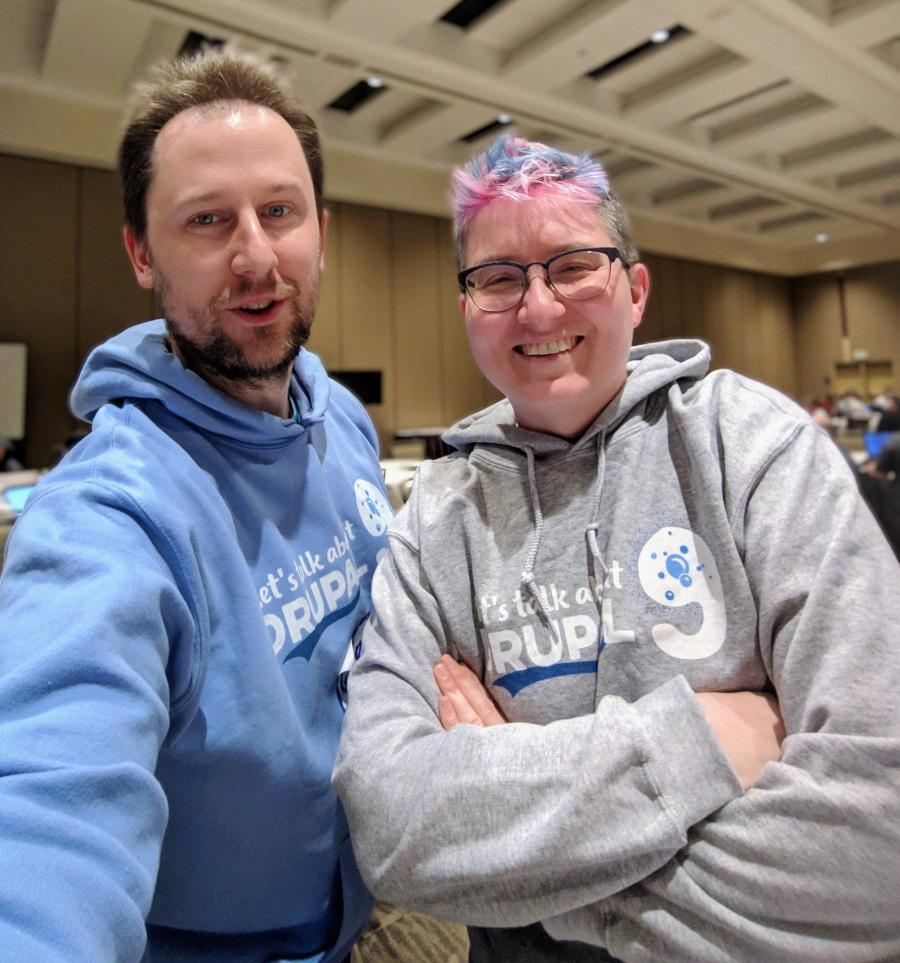 Gábor and Angie selfie at DrupalCon Nashville